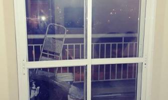 Isolamento acustico porta de vidro